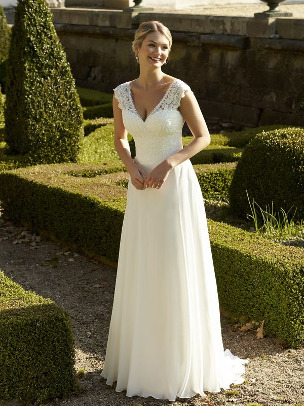 Romantica - Brodie Wedding Gown Leeds