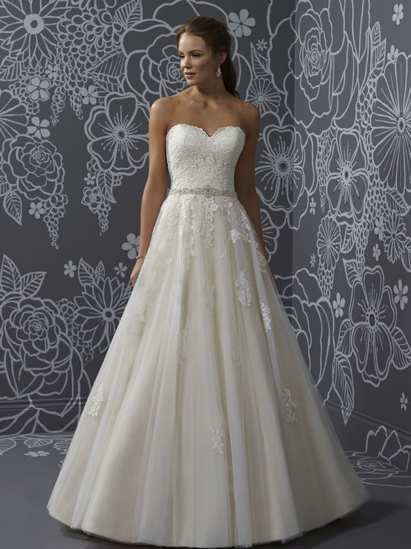Romantica - Nicola Wedding Gown Leeds