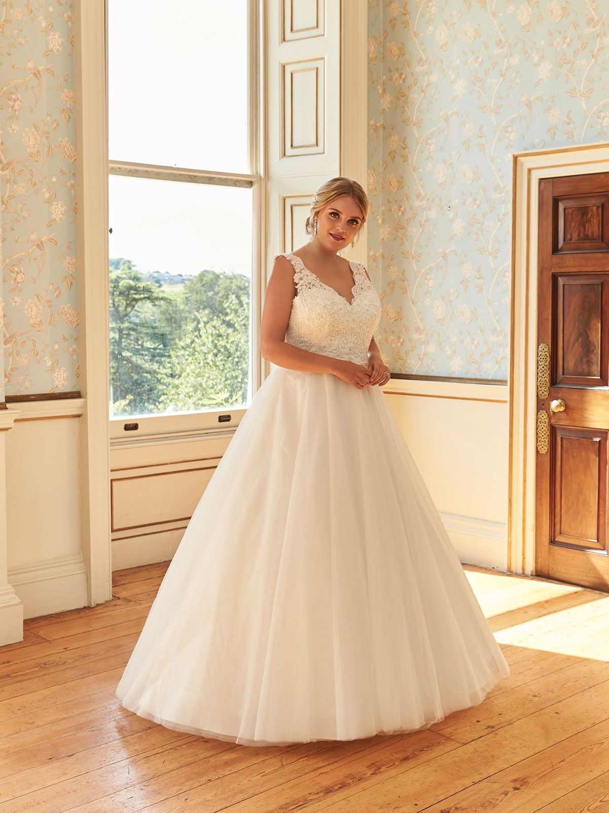 Romantica of Devon Ariana Wedding Gown Leeds